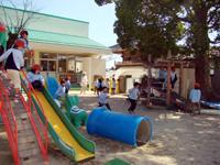 柳井幼稚園の一日 園庭で外遊び
