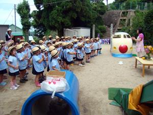 柳井幼稚園 園庭で
